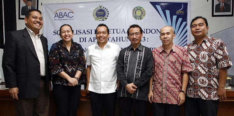 Peran Pemerintah dan Sektor Bisnis Indonesia dalam Memanfaatkan Peluang APEC 2013 bagi Pembangunan Ekonomi di Kawasan Asia Pasifik